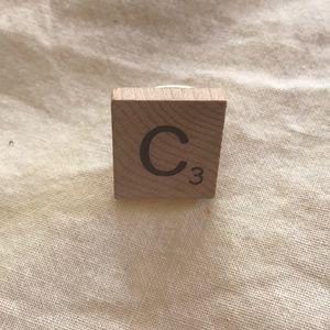 """8 for $10: """"C"""" letter ring"""